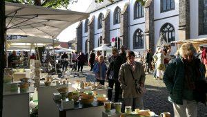 keramikmarkt-lich_blick auf kirchenplatz